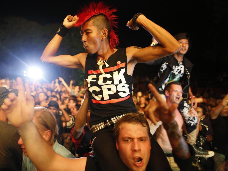 Исследование: Прослушивание панк-музыки и металла успокаивает нервы