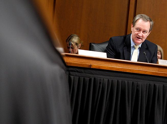 Сенатор-мормон задержан в Вашингтоне за езду в нетрезвом виде