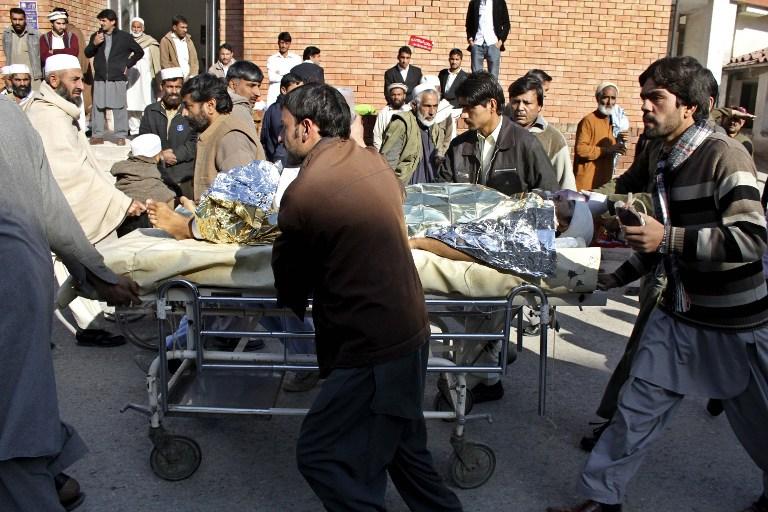 В результате теракта в Пакистане пострадал министр железных дорог