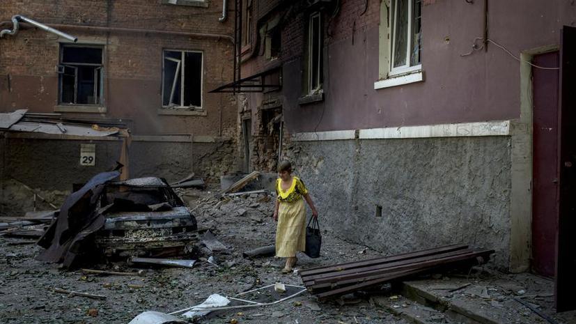 Под обстрелами в Донецке и Луганске гибнут мирные жители, города на грани гуманитарной катастрофы
