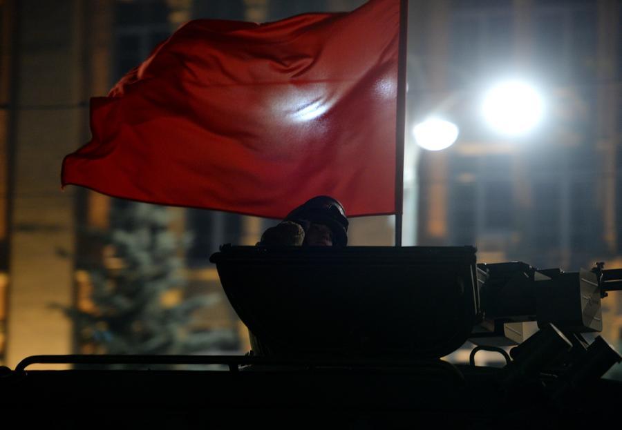 Первая ночная репетиция парада Победы пройдёт сегодня на Красной площади
