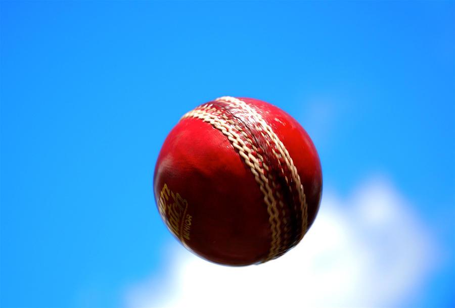 Смерть во время матча: спортсмен скончался от удара мячом в висок