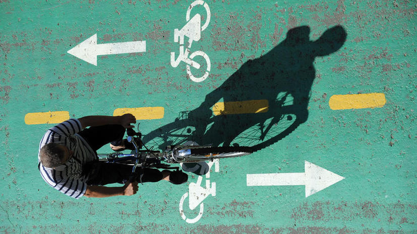 Въезд на тротуары и велодорожки обойдется водителям в 3 тыс. рублей