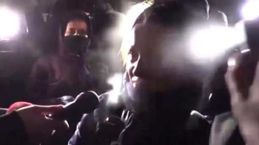 Украинские журналисты и футбольные фанаты напали на корреспондента российского телеканала