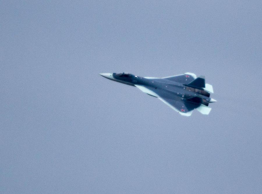   СМИ: К 2017 году расходы на оборону и нацбезопасность могут составить четверть бюджета России