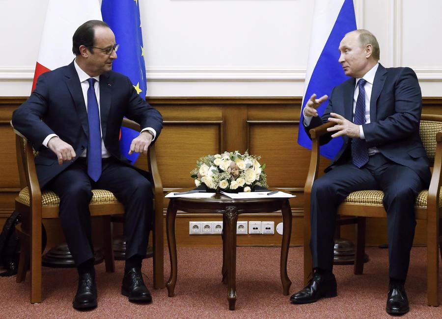 Французские СМИ: Франсуа Олланду пора поучиться науке президентства у Владимира Путина