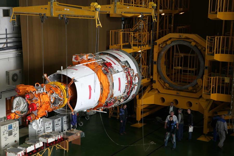 Выведенный на орбиту российский спутник «Ресурс-П» поможет учёным раскрыть тайну тёмной материи