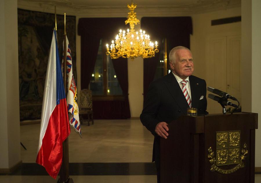 Бывший президент Чехии сравнил Украину с Югославией