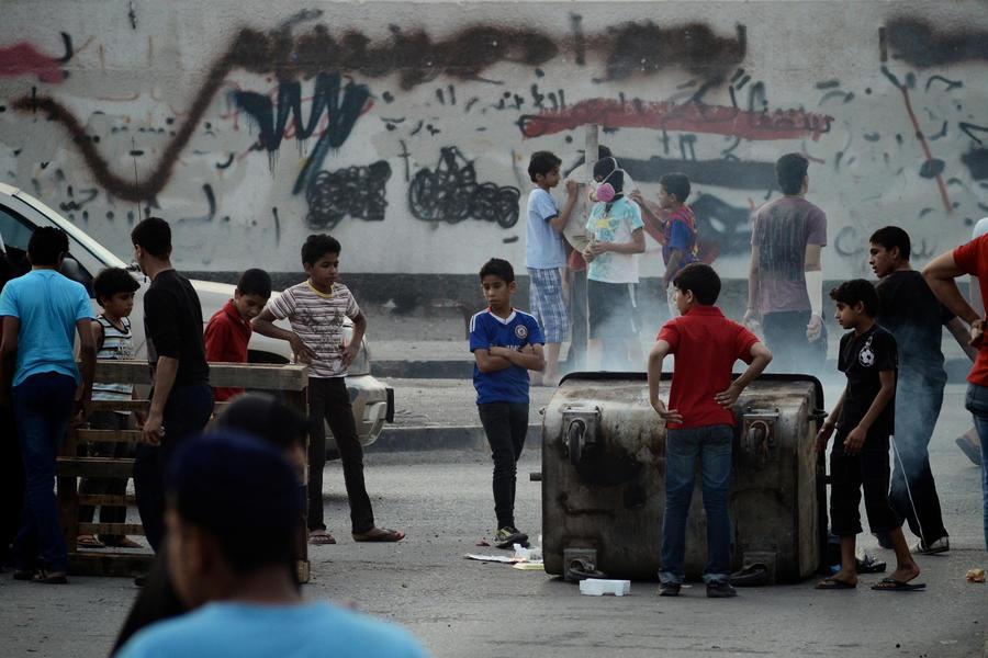 HRW: дети в Бахрейне подвергаются арестам и издевательствам со стороны служб безопасности