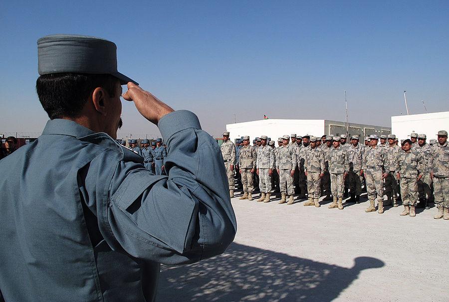 Афганские талибы готовятся рубить головы переводчикам НАТО