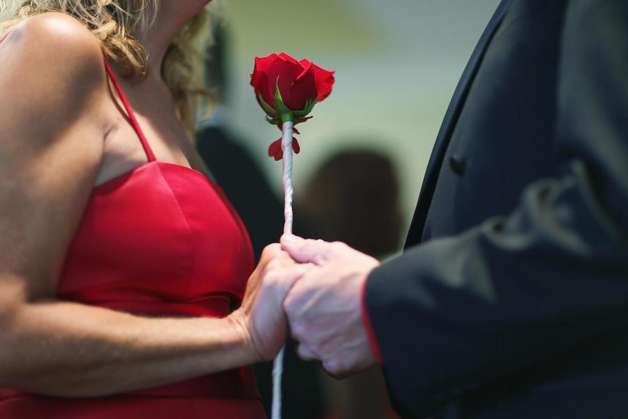 Социологи: знакомства через интернет приводят к более прочным бракам