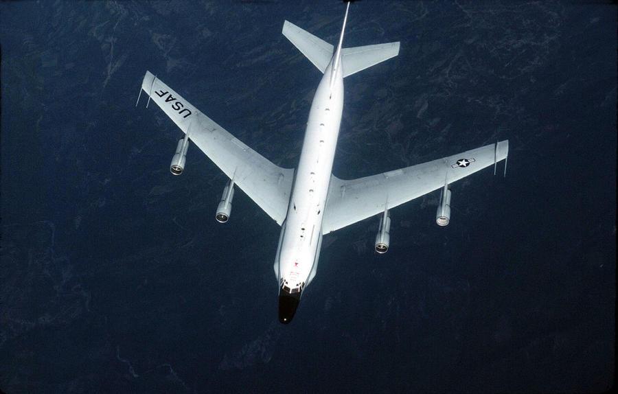 Перехват: США снова обвинили российский самолёт в опасных манёврах