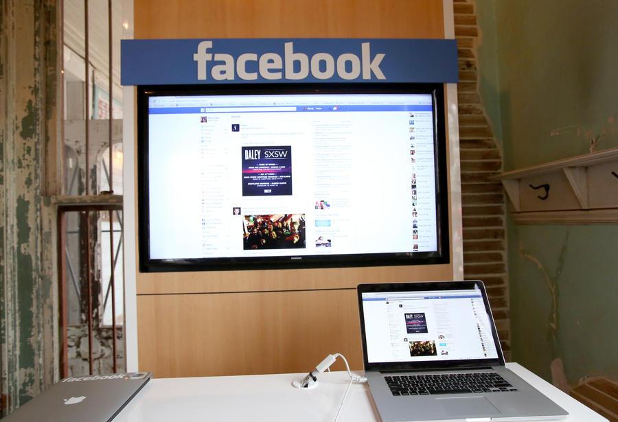 Американская ученица отсудила у школы $70 тыс. из-за скандала вокруг статуса на Facebook