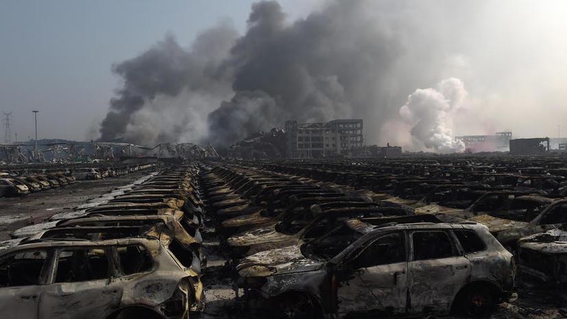 Фото и видео последствий мощных взрывов и пожара в Китае