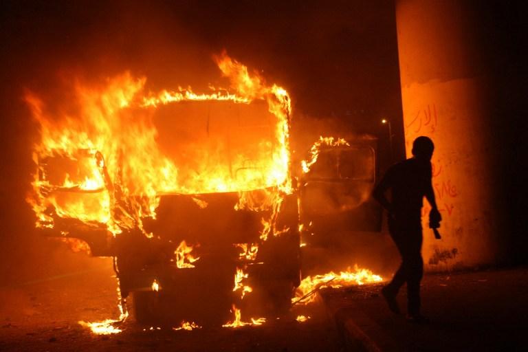 Неизвестные расстреляли автобус в Пакистане: 18 убитых
