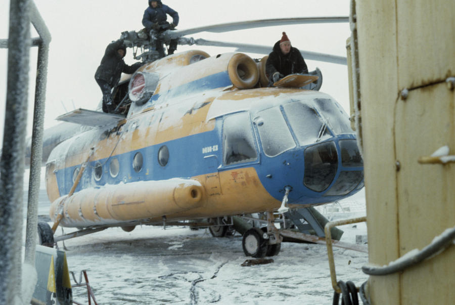 Магаданские летчики продлевали права на полеты за взятки