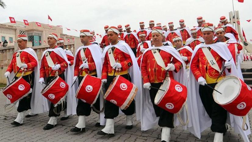 Праздник под вопросом: Тунис отмечает третью годовщину свержения Бен Али