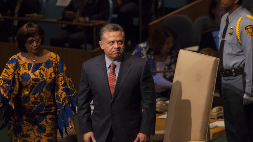 Король Иордании назвал своих подданых старыми динозаврами