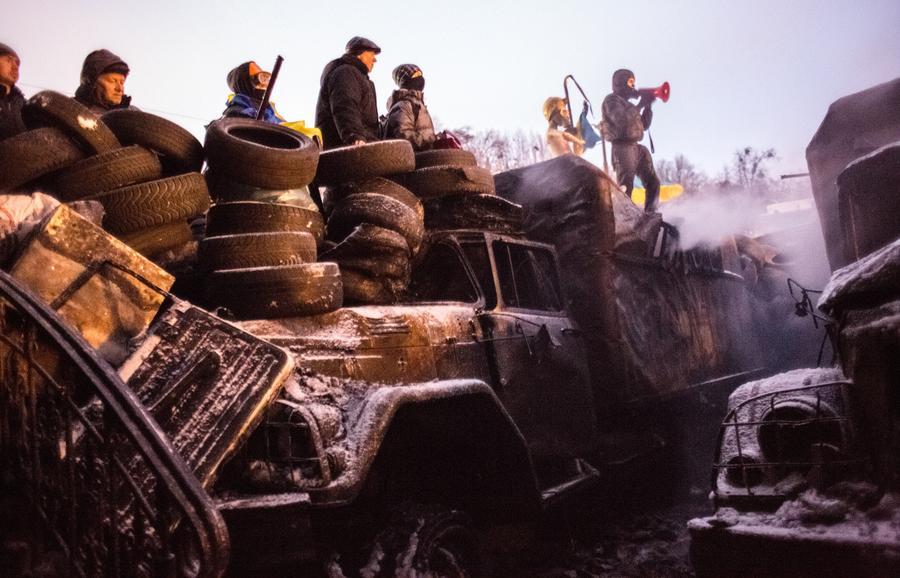 МВД Украины: За массовые беспорядки в Киеве задержаны более 100 человек