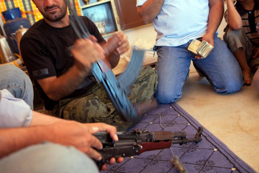 Сирийская оппозиция получила 400 тонн оружия от стран Персидского залива