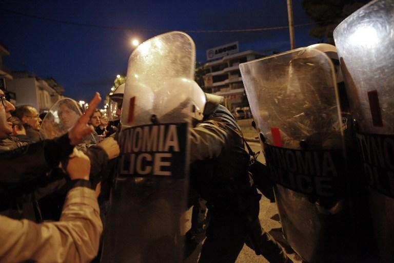 Полиция Афин взяла штурмом здание государственного телеканала