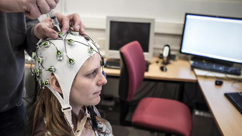 Американские студенты научились управлять техникой при помощи «силы мысли»