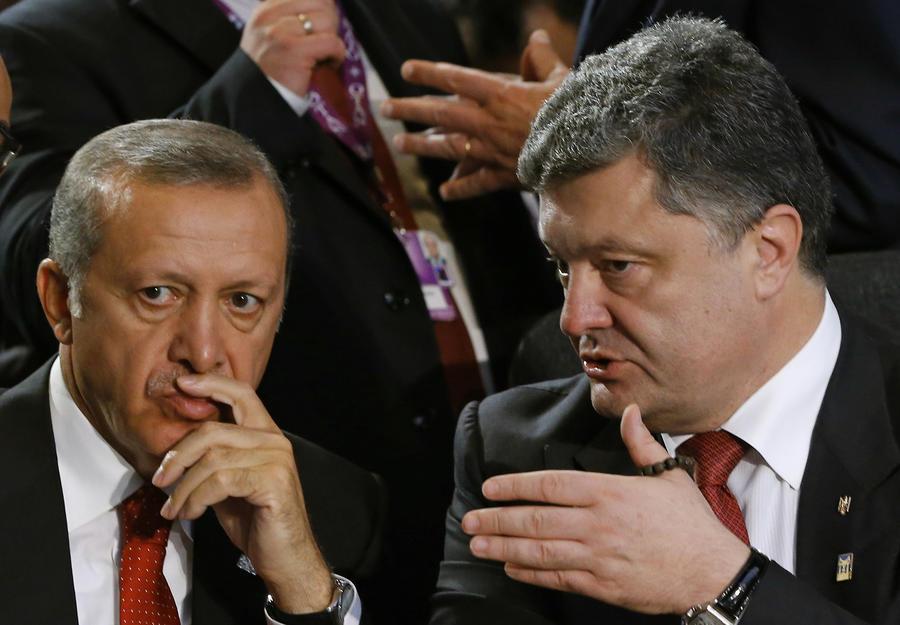 Политический цирк: как Эрдоган вытеснил с арены Порошенко, Яценюка и Саакашвили