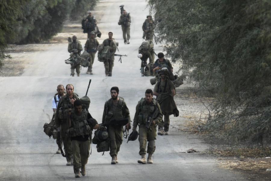 СМИ: Солдат израильской армии воодушевляли видами разрушений в секторе Газа
