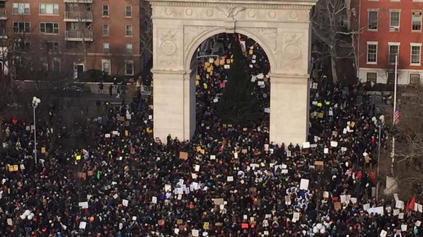 В Нью-Йорке прошло массовое шествие против произвола полиции