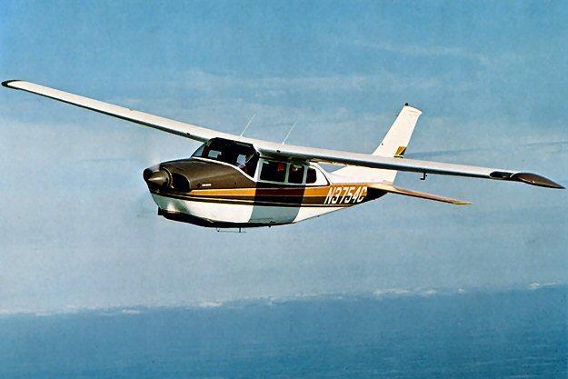 СМИ: США шпионят за своими гражданами с самолётов Cessna