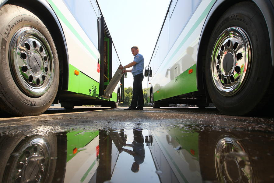 Налоговый сбор от роскошных авто пойдёт на развитие общественного транспорта Москвы