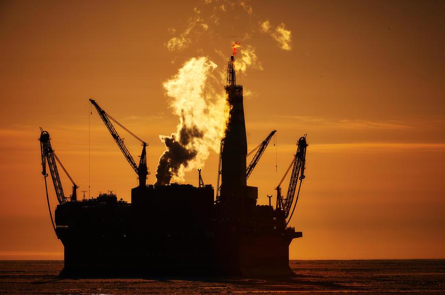 СМИ: Аналитики Fitch прогнозируют $60 за баррель нефти в 2018 году