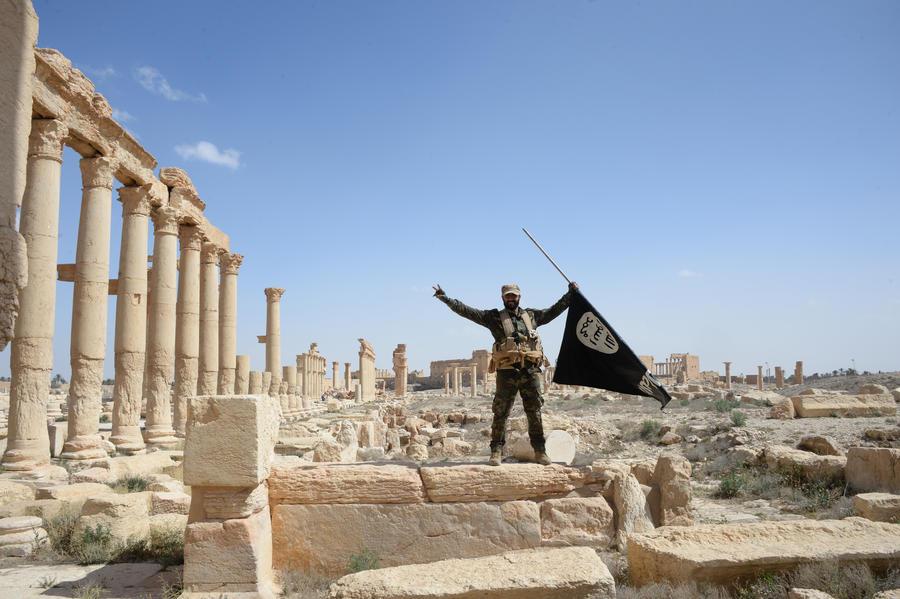 Жизнь без ИГ: первые кадры Пальмиры после освобождения