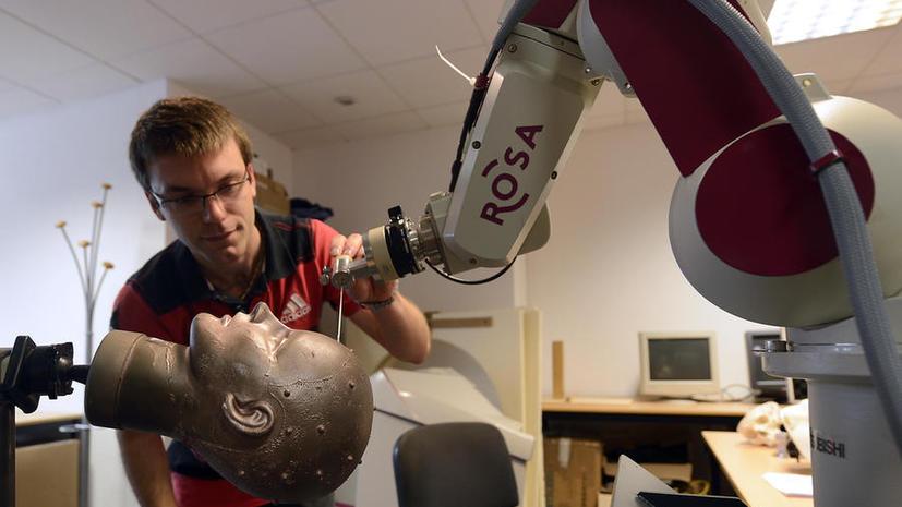 Итальянский нейрохирург: Пересаживать людям головы совсем не сложно!