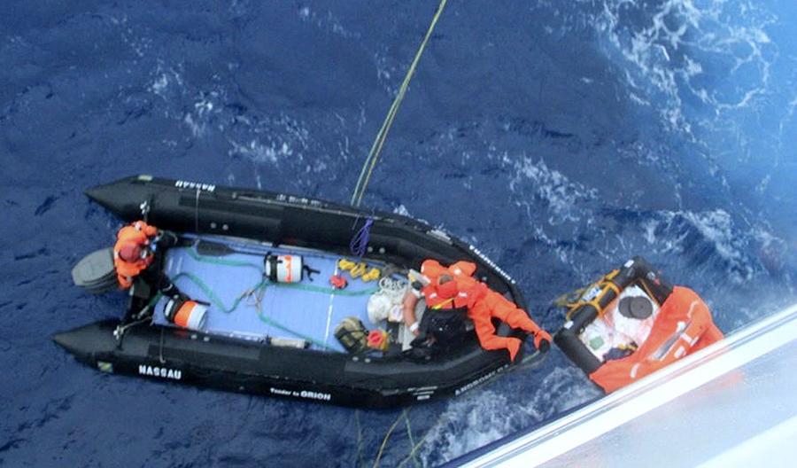 Круизный лайнер специально преодолел тысячу километров, чтобы спасти 63-летнего путешественника