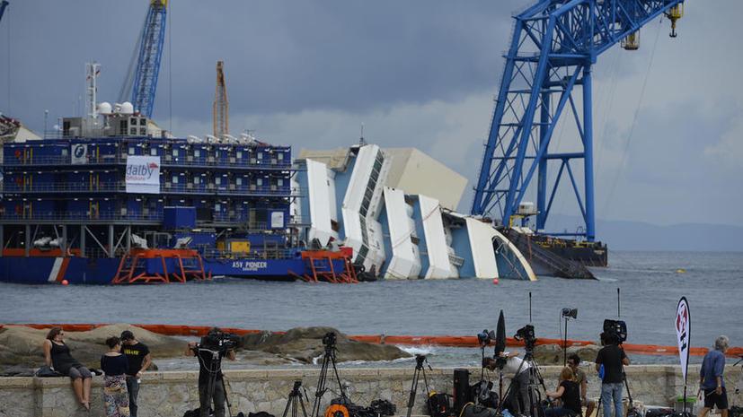 Стали известны подробности подъёма затонувшего лайнера