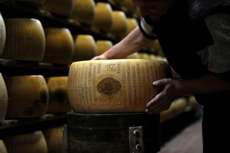 Полиция Италии конфисковала партию отравленного сыра
