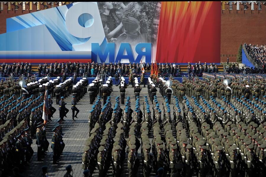 СМИ: В параде 9 мая на Красной площади могут принять участие представители самообороны Крыма