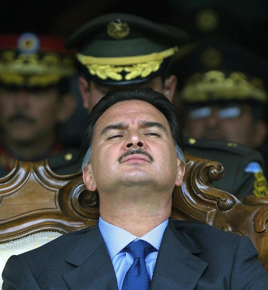 Экс-президента Гватемалы передали США за финансовые махинации
