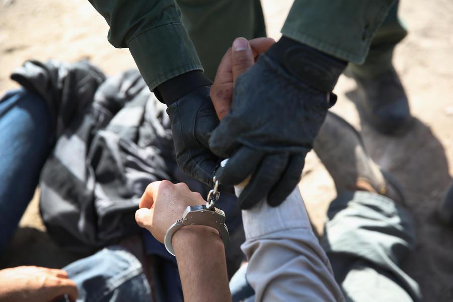 Находящимся под домашним арестом разрешат ежедневные часовые прогулки