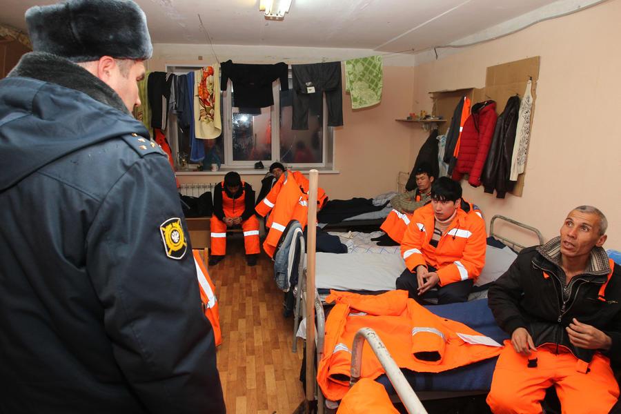 Киргизы будут получать загранпаспорта российского образца
