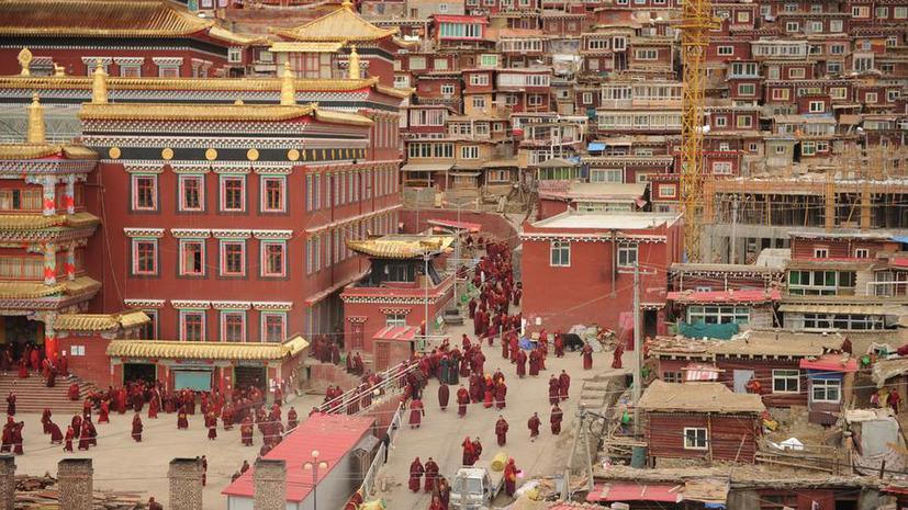 В Тибете ужесточили контроль над интернетом и мобильной связью
