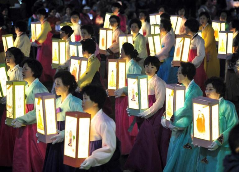 В связи с крушением парома премьер-министр Южной Кореи подал в отставку