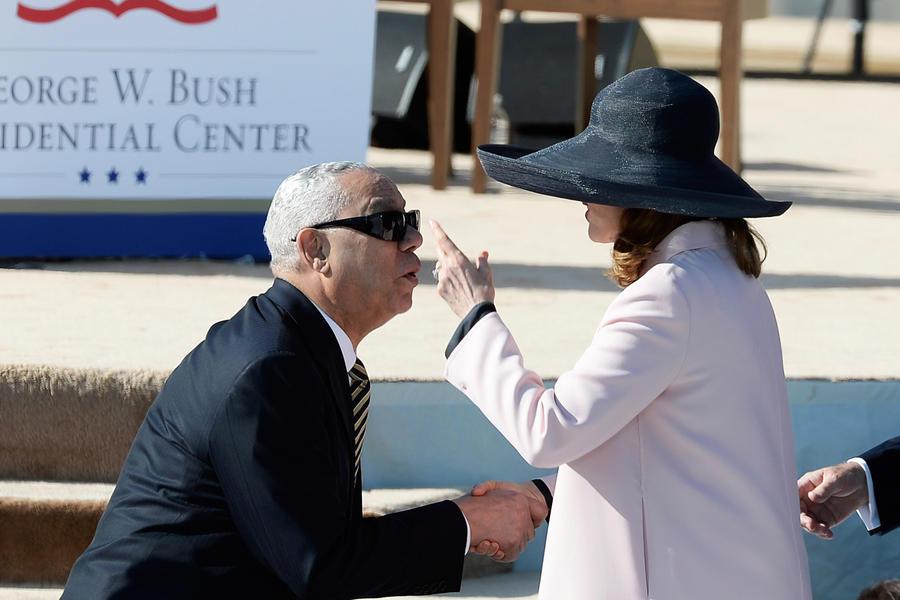 Бывший госсекретарь США Колин Пауэлл отрицает, что изменял жене с помощницей румынского президента