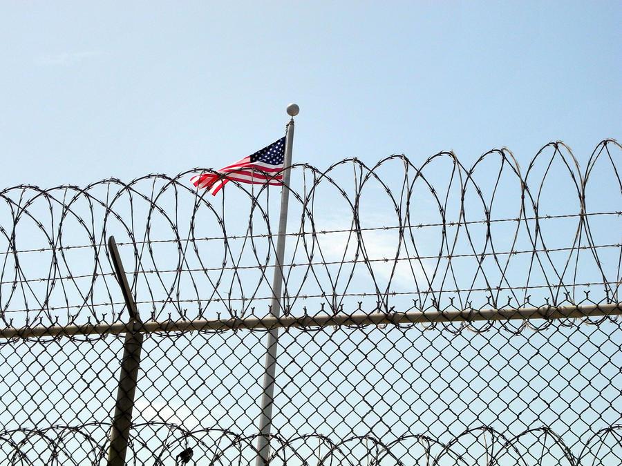 Республиканцы добиваются от конгресса $69 млн для строительства новой тюрьмы в Гуантанамо