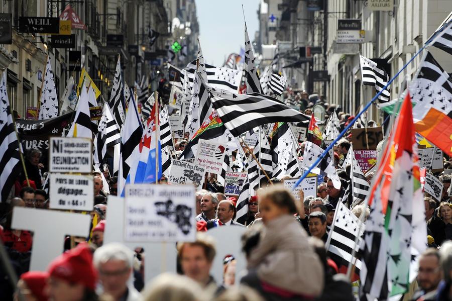 Жители французской Бретани потребовали автономии региона