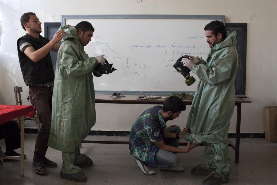 Запад обеспокоен возможностью нападения на колонну с химическим оружием при транспортировке