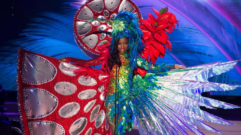 Участницы конкурса «Мисс Вселенная» поразили жюри и зрителей необычными национальными костюмами