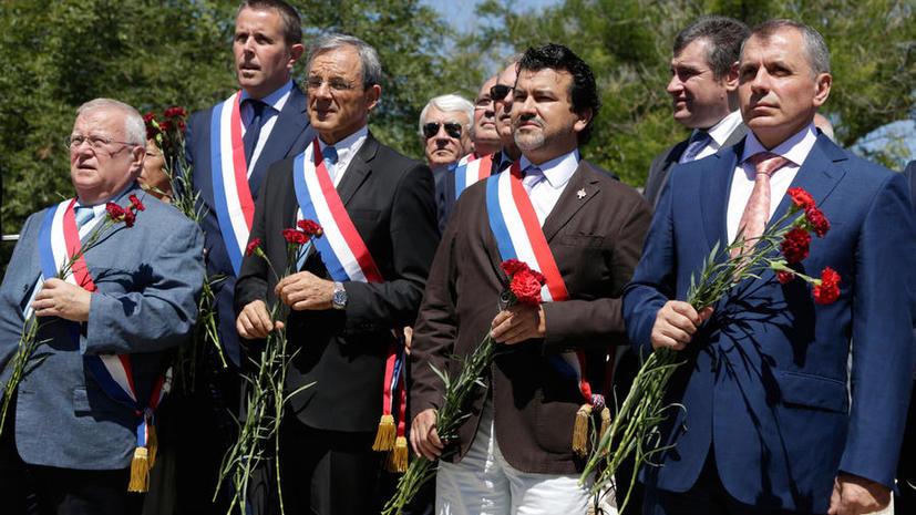 СМИ: Посетившим Крым французским парламентариям могут запретить въезд на Украину