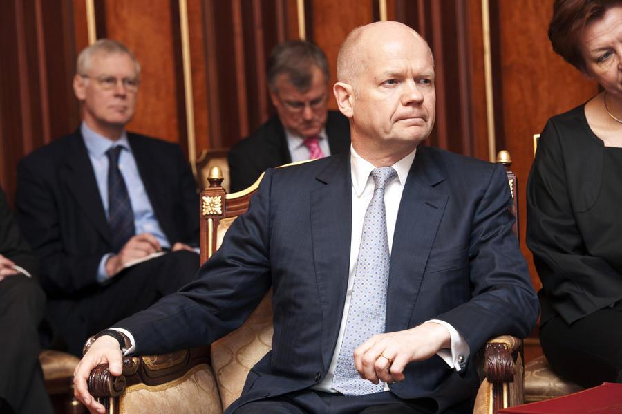 Лондон готов рассмотреть различные санкции в отношении Москвы